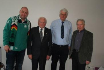 Einmalig – Helmut Schmidt hält dem SuS Oberaden seit 80 Jahren die Treue
