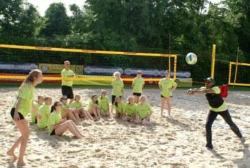 """Beachvolleyball? Kinderleicht!  VV Holzwickede lädt zu """"Teee's Volley Camp"""" ein"""