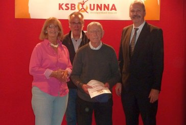 Eduard Schwägerl zeigt, dass man auch noch mit 94 Jahren das Sportabzeichen erwerben kann