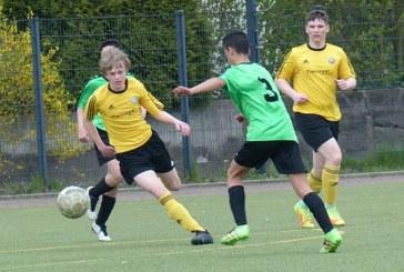 Holzwickeder und Mühlhausener A-Junioren bleiben im Meisterschaftsrennen