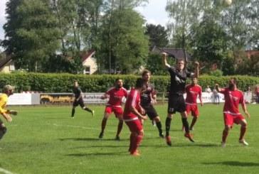 Fußball-Kreisliga A1: Wieder zeichnet sich BJörn Scharfe als Torjäger aus – Sechs Mal schlägt er für RWU II gegen Herringen zu