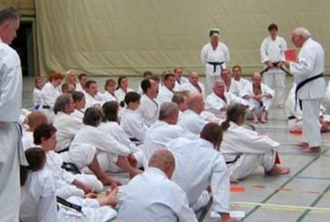Internationaler Karate Do Sommerlehrgang in Kamen vermittelt Werte als Gegengewicht zur Respektlosigkeit