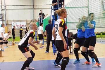 Deutsche Teams sind hervorragend in die Indiaca-WM in Rozogi gestartet.
