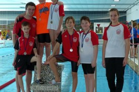35 Medaillen für Wasserfreunde in Kamen