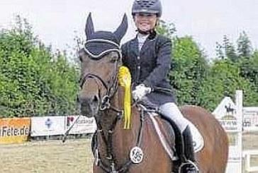 Doppelsieg für Fröndenberger Reiterinnen zum Auftakt des Sommerturniers in Strickherdicke