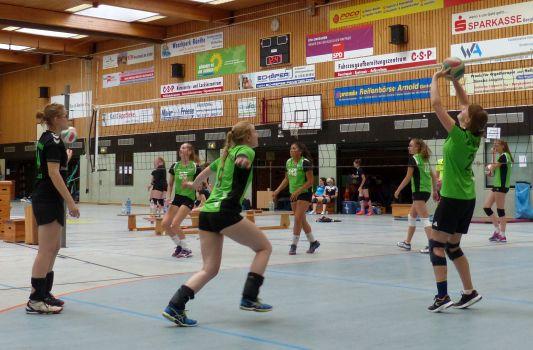 69 Teams mit insgesamt 733 Teilnehmern beim 34. Internationalen Volleyball-Jugendturnier des SuS Oberaden vertreten