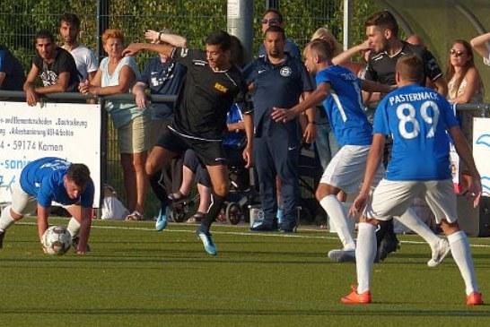 Fußball-Kreisliga A: SG Massen erobert die Tabellenspitze – Rote Laterne leuchtet am Rehbusch