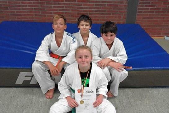 Bezirksmeistertitel für Madleen Franz – Zwei weitere Medaillen für Eichengrün-Judoka