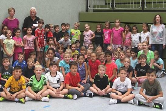 Drei Stunden AOK Handball-Grundschulaktionstag in der Römerberg-Sporthalle