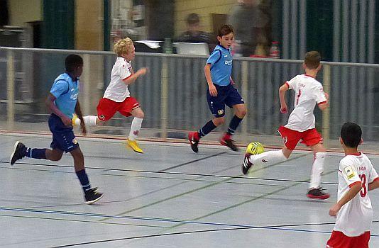 Wieder erstklassiger Jugendfußball in den Unnaer Hellwegsporthallen