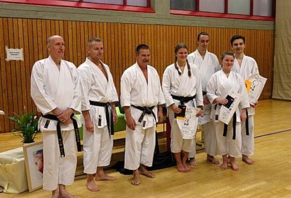 Drei neue DAN-Träger beim Karateverein Unna