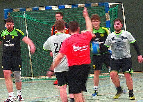 Handball-Bezirksliga: SGH unterstreicht Heimstärke – 32:26 gegen ersatzgeschwächte Heerener