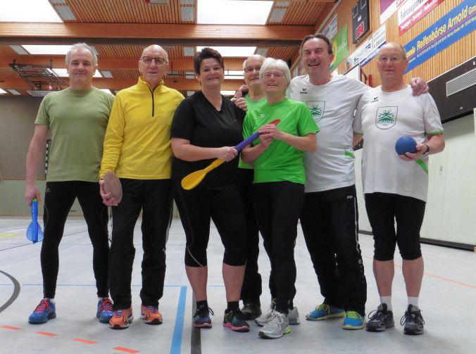 SuS-Werfer-Oldies testen ihre Form bei der 9. Hallen-Wurf-Vereinsmeisterschaft